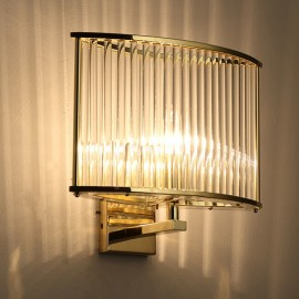 Stilio wall lamp Licht im Raum gold color side view