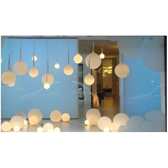 Glo ball Basic table lamp Flos white color Diam 14cm / Diam 25cm / Diam 33cm / Diam 45cm side view
