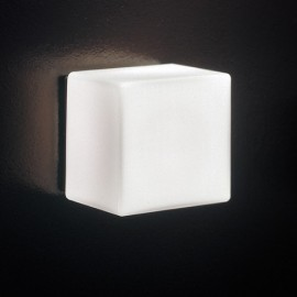 Cubi wall lamp Itre white color front view