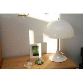 Panthella table lamp Verpan white color side view