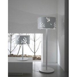 Miss Brilla floor lamp Karman white color front view