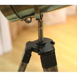 Royal Marine tripod table lamp bronze color with detail