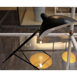 Serge Mouille MCL tripod table lamp Serge Mouille black color side view