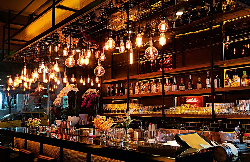 Tips for Lighting Bar Area in USA: Pendants and Chandeliers Lights